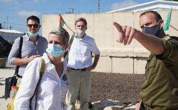 Las FDI y el Ministerio de Relaciones Exteriores acogieron el viernes a 12 diplomáticos y embajadores en una gira por la frontera norte de Israel