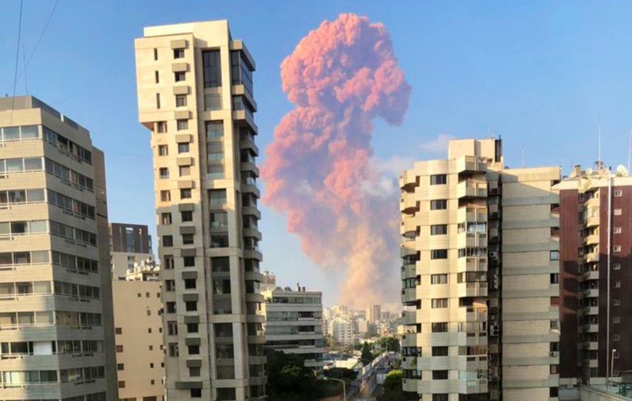Reportan una fuerte explosión en la capital de Líbano