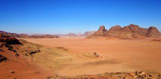 Panorama de Wadi Rum en Jordania