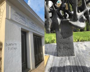 Un mausoleo y un monumentos profanados en Grecia