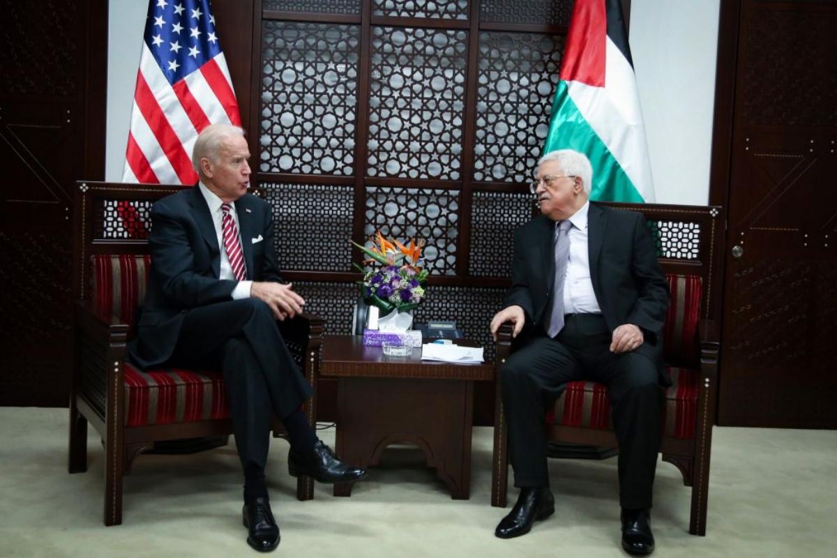 Presidente de la Autoridad Palestina, Mahmoud Abbas y presidente electo de EE.UU. Joe Biden
