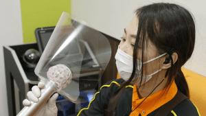 Un sistema de filtración y desinfección de aire desarrollado en Israel que mata los virus podría revivir la debilitada industria del karaoke de Japón