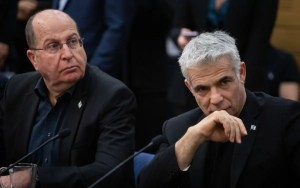 Moshé Yaalon y Yair Lapid