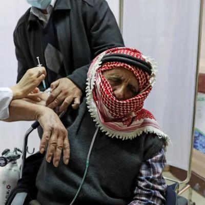 Rashida Tlaib: Israel es 'racista' y niega la vacuna COVID a los palestinos