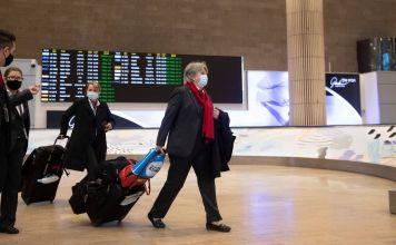 Personas en el Aeropuerto-Ben-Gurión