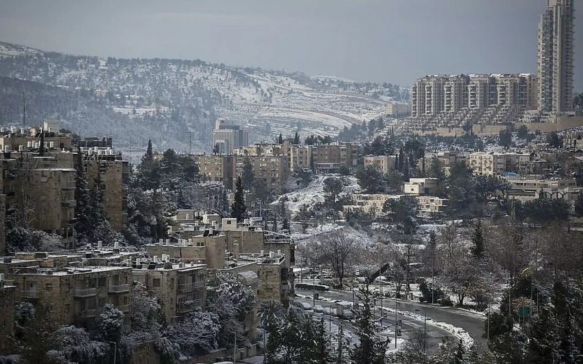 paisaje gris de Jerusalén invernal