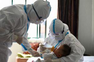 El brote de virus de la tercera ola de Israel ha experimentado un aumento alarmante en las infecciones entre los bebés, según un informe