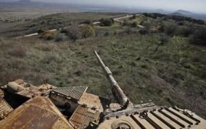 restos de un tanque en el campo