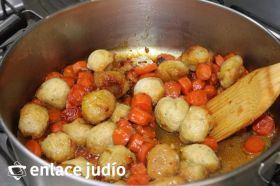 Tzimes (zanahorias dulces)