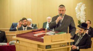 Suiza aprueba referéndum para prohibir la burka, lo que llevó a grupos musulmanes y judíos a protestar por esa violación de las libertades religiosas
