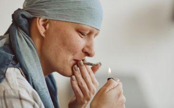 Paciente con cáncer es tratada con cannabis