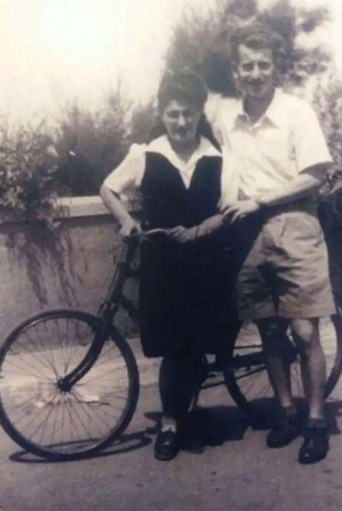 Eva con su esposo en el Kibutz Degania