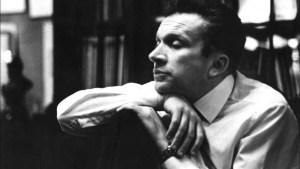 Mieczysław Weinberg nació en Varsovia en 1919 en una familia judía. Cuando tenía 20 años los nazis invaden Polonia y se refugia en Minsk