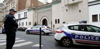 Tres miembros de un grupo neonazi arrestados en el este de Francia bajo sospecha de planear un ataque a una logia masónica han sido acusados
