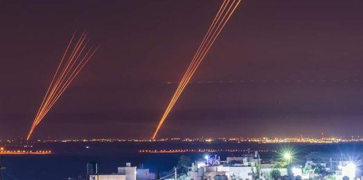 Oleada de cohetes contra el área de Tel Aviv; 2 muertos en Lod