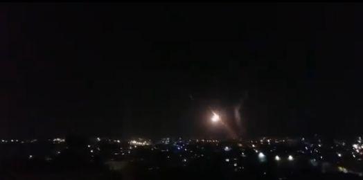 Israel ataca lanzacohetes y puestos militares de Hamás en Gaza