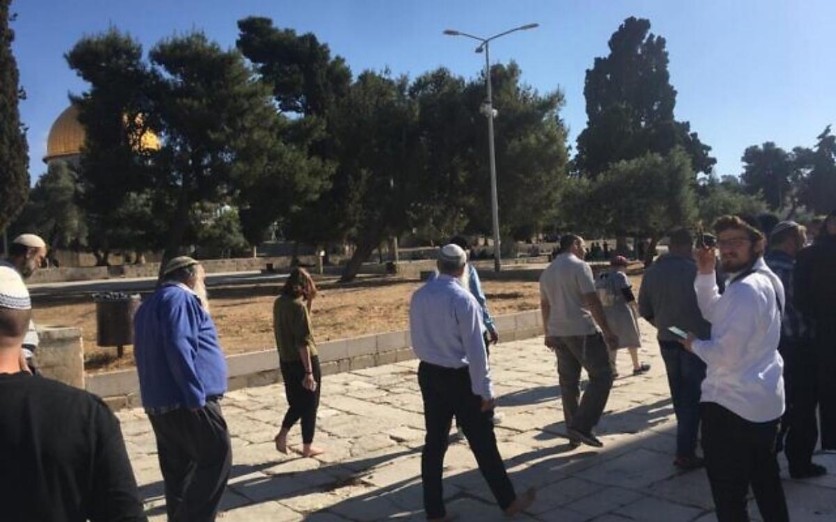 Judíos visitan las inmediaciones del Monte del Templo
