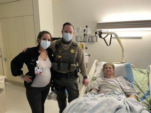 La enfermera ortopédica Sandra Nahom, y en el joven paciente Copper Mulholland amputado a quien inspiró después de un trágico accidente