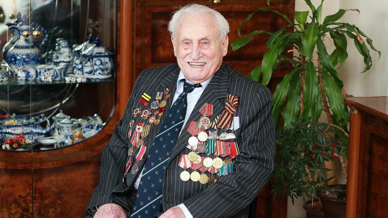 David Dushman, último soldado sobreviviente que participó en la liberación del campo de exterminio nazi de Auschwitz en 1945, murió a los 98 años