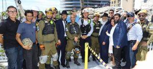 Golan Vach comandante de búsqueda y rescate de las FDI habló con familiares de los desaparecidos del derrumbe en Miami brindándoles esperanza