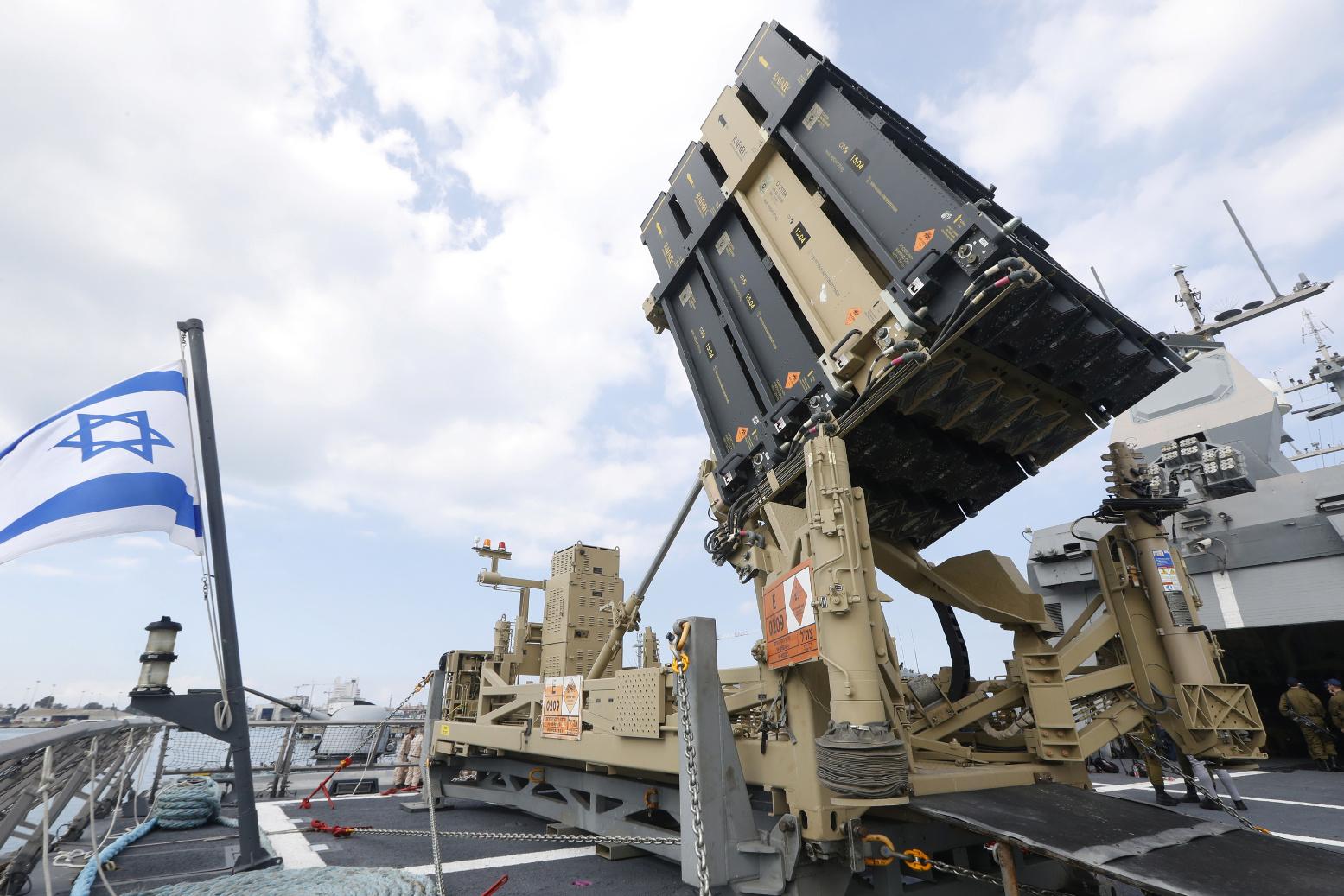 """Corea del Sur anunció planes para construir un sistema de defensa de interceptación de misiles, similar a la """"Cúpula de Hierro"""" de Israel"""