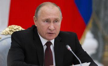 El presidente ruso, Vladimir Putin, negó un informe de medios estadounidenses de que Moscú está listo para entregar un sistema de satélite avanzado a Irán