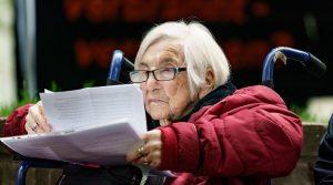 Esther Bejarano, miembro de la llamada orquesta de Auschwitz, murió el pasado sábado en el hospital judío de Hamburgo. Ella tenía 96 años