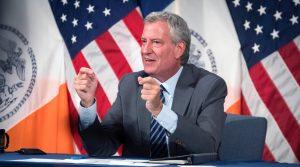 """El alcalde de Nueva York, Bill de Blasio, se unió a las críticas de Ben & Jerry's y dijo que """"no comerá más Cherry García por un tiempo"""""""