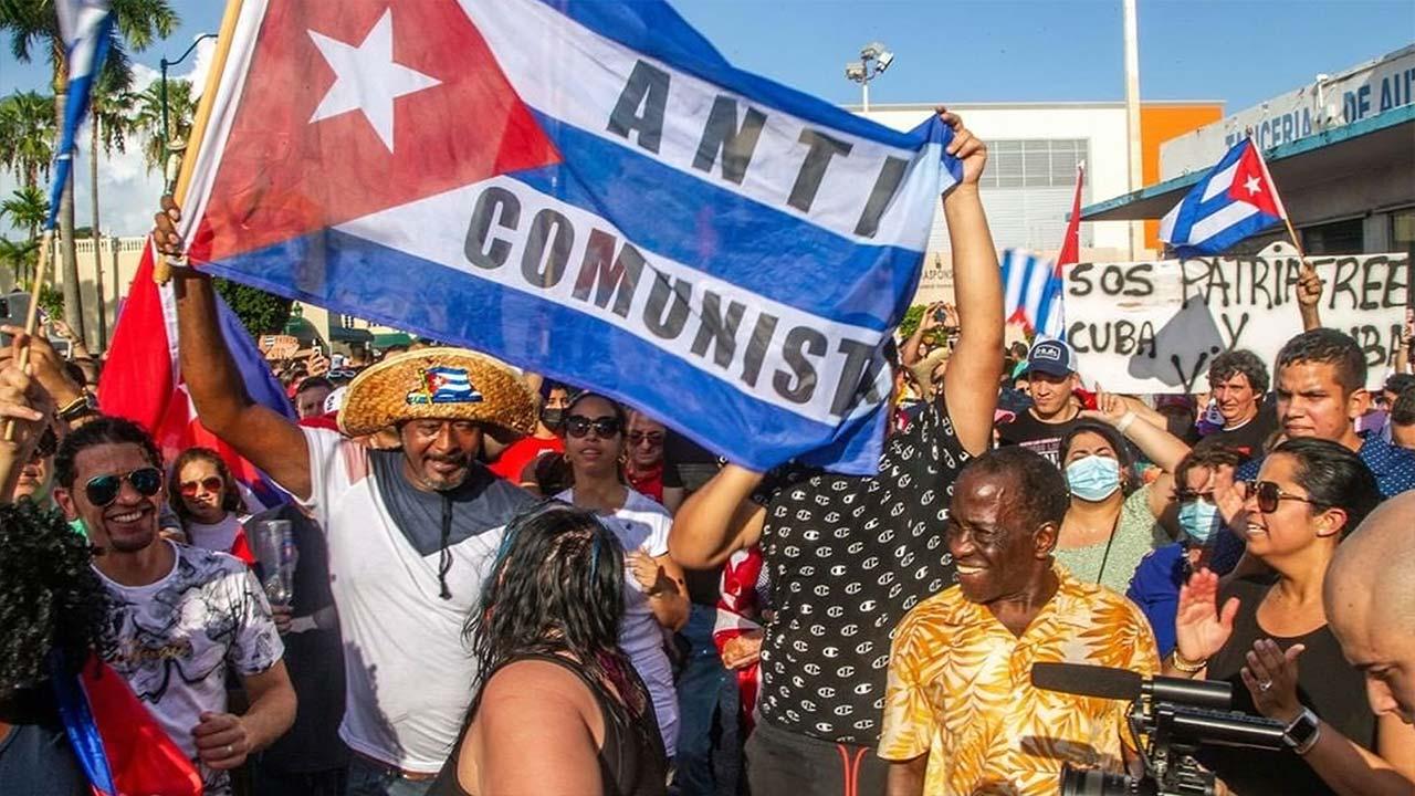 """Irán, ha acusado a EE. UU. de """"interferencia"""" en los asuntos internos de Cuba después de que protestas sin precedentes golpearon la isla"""