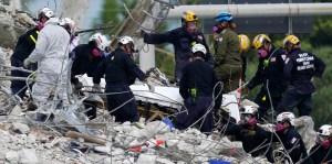 Labores de rescate en el sitio de colapso de Surfside
