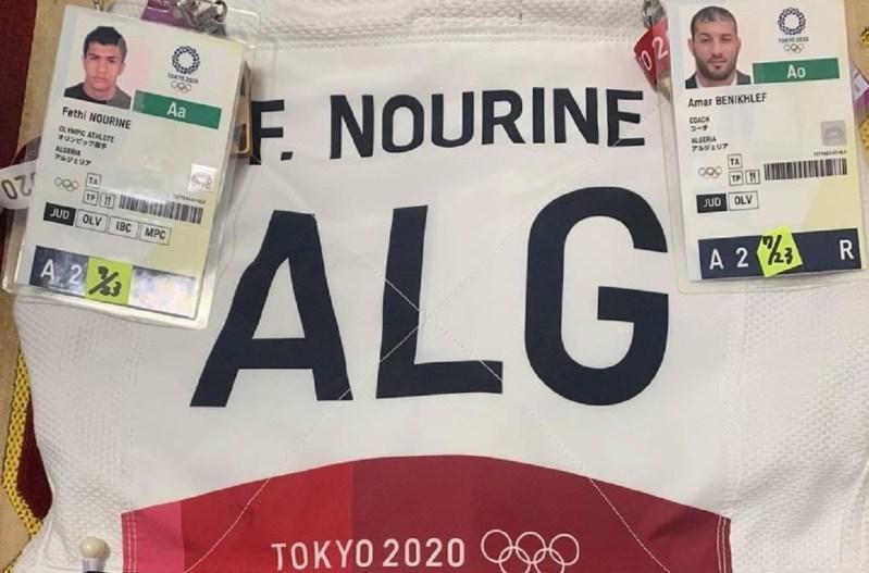 El judoka argelino Fethi Nourine y su entrenador Amar Benikhlef se les retiró la acreditación olímpica luego de negarse a pelear contra un atleta israelí
