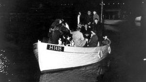 Los daneses ayudaron a escapar en embarcaciones pequeñas hacia la neutral Suecia y así casi la totalidad de los judíos de Dinamarca pudieron salvarse