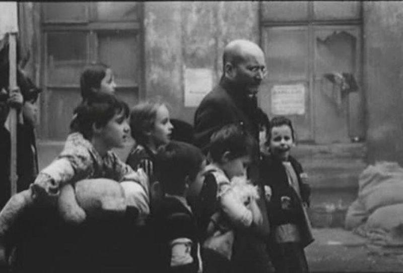 Irving Gatell nos cuenta vida y obra de Janusz Korczak, la relación con su identidad judía, su intelecto privilegiado y corazón de oro