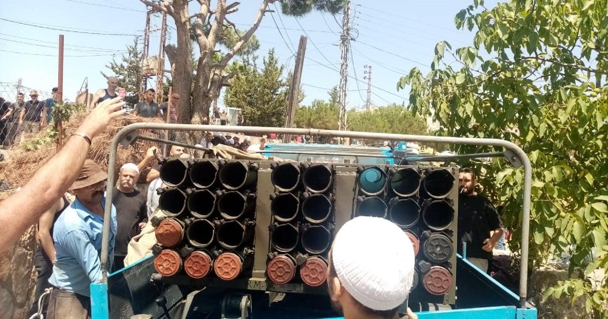 Camión con lanzacohetes de Hezbolá
