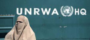 Más de 100 educadores y personal palestinos de UNRWA promueven la violencia y el antisemitismo en redes sociales, según un nuevo informe de UN Watch