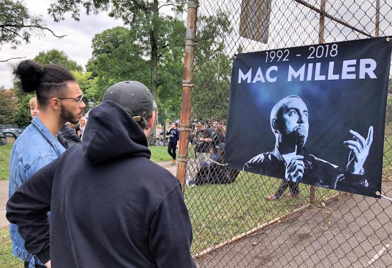 Fanáticos de Mc Miller recordando su fallecimiento