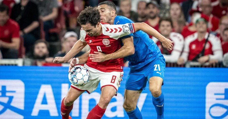Jugadores de Israel y Dinamarca