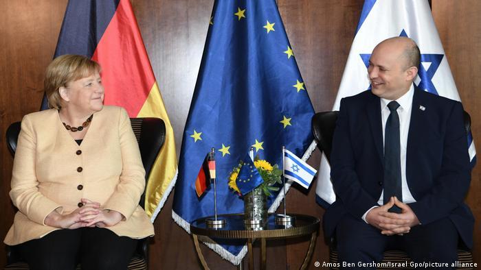 Merkel y Bennett en la visita de ella a Israel