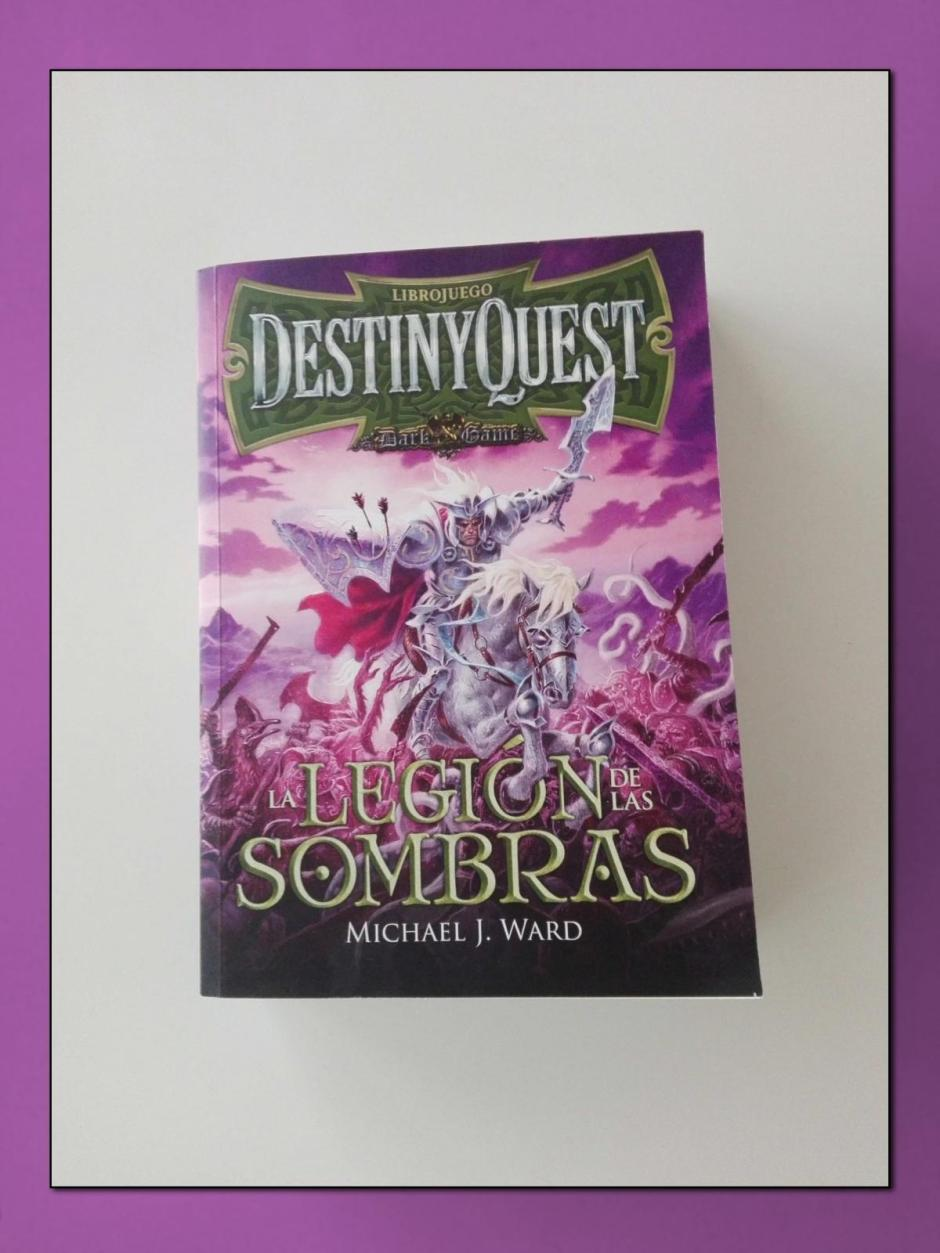 Book tag colores del arcoíris: violeta