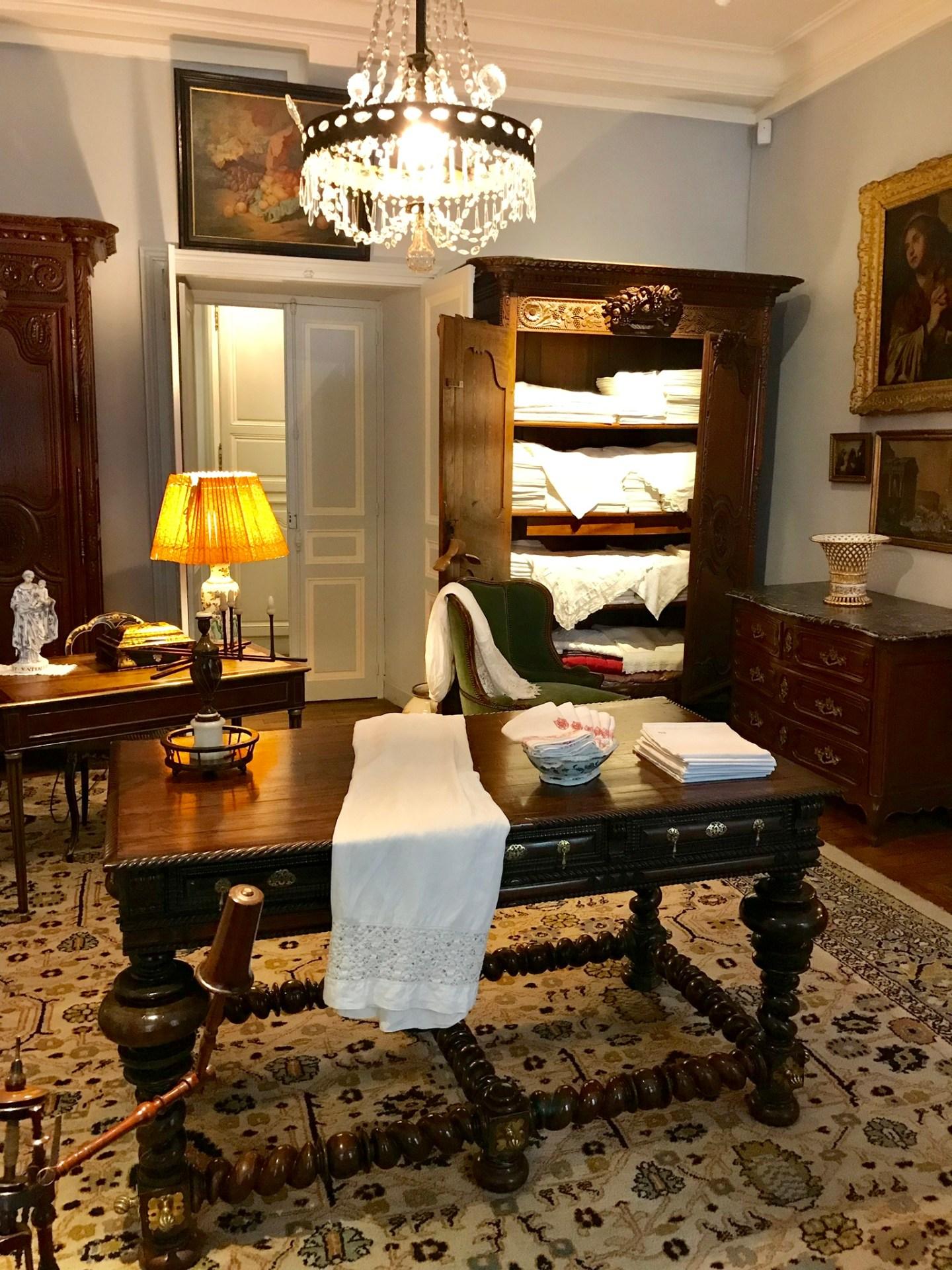 chateau de Laàs musée Serbat lingerie
