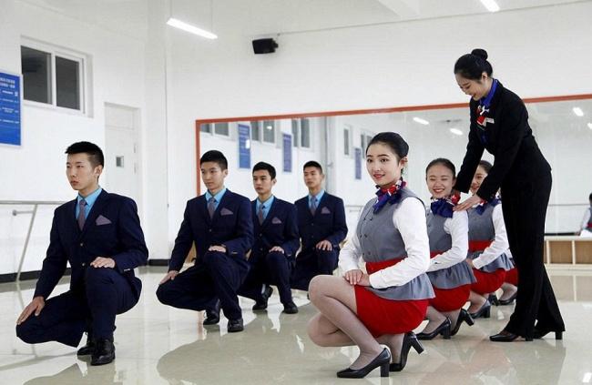 6263810 hôtesses de l'air
