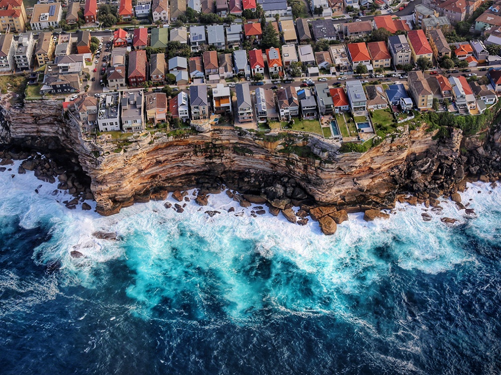 9386565-1000-1463141353-coast-sydney-australia_ terre
