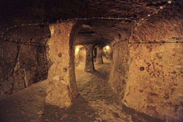 Podzemny-j-gorod-Derinkuyu_1452084596-630x420