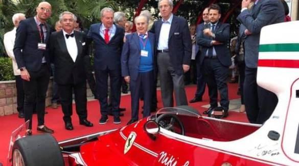 """Tramonti """"Lo Smeraldo"""" festa alla pizzeria della Ferrari di Lello Ferrari"""