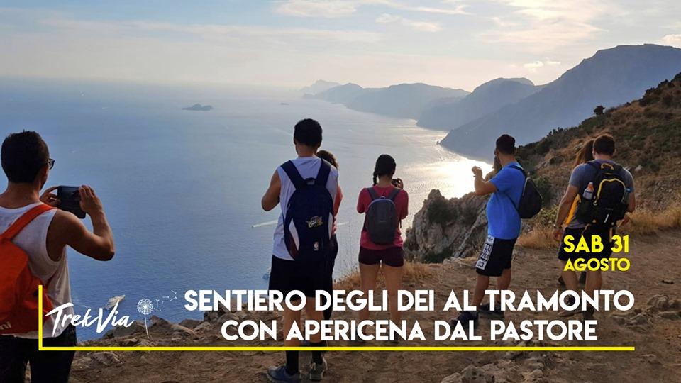 L'immagine può contenere: una o più persone, montagna, spazio all'aperto, natura e testo