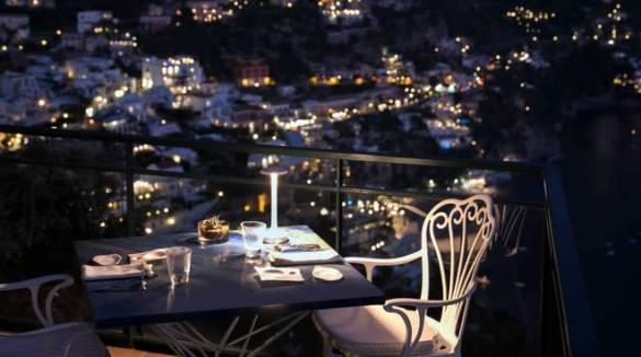 Positano. Cominciano i festeggiamenti per Ferragosto a Le Agavi. tre giorni di musica, cibo e fuochi d'artificio