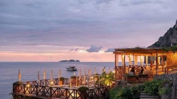 Remmese beach club, una coccola sul mare a Positano