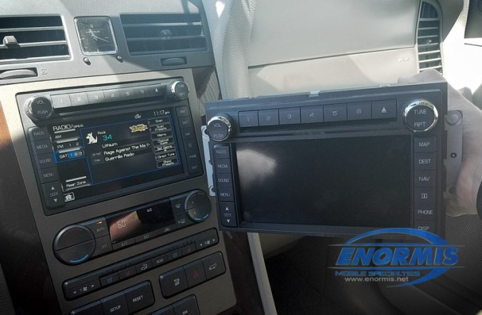 Navigator Factory Radio