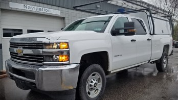 2017 Chevrolet Silverado 2500HD Gets Upgraded Towing Mirror Package