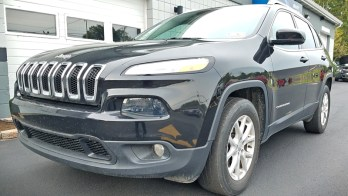 Radio Repair Saves Money and Time for 2016 Jeep Cherokee Owner